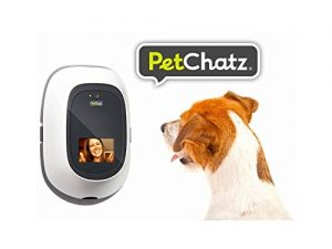 petchatz-hd-pet-camera-treat-dispenser